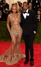 Doesn't take much for Bey to nail it. I am loving this pony and her man looks good by her side.