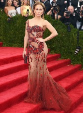 J-Lo can do no wrong in my eyes. She has the best body in the game IMO and she is a flawless beauty. This dress is Chinese-inspired without giving too much.
