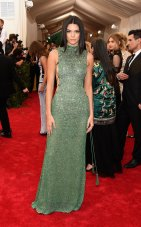 Kendall is doing her thing. I don't see the inspiration behind this dress but her hair and skin look gorge!