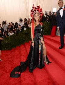 Sarah Jessica Parker went full theme with this one. I would never do it but she pulls it off.