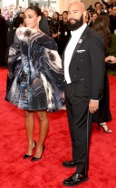Solange and hubby Alan Ferguson are a perfect pair. Solange is so couture and he has this look down pack.