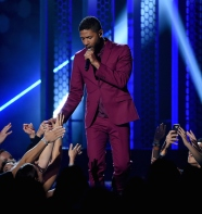Our favorite Lyon brother looks good in Calvin Klein performing at the 2015 Billboard Music Awards.